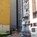 Stravično jutro u Banjaluci: Nepoznati mladić se bacio sa sedmog sprata