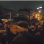Mladić verbalno napao Jovana Divjaka (VIDEO)