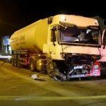 Stravičan sudar automobila i cisterne: Mladić teško povrijeđen kod Gračanice