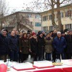 Gradski odbor SNSD-a uz tortu i tople napitke slavio Dan Republike Srpske sa sugrađanima