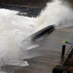 Britanija- Oluja Doris pričinila veliku štetu (VIDEO)