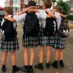 Dječaci iz protesta došli u školu u suknjama (VIDEO)