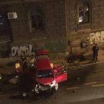 Težak udes u Sarajevu: Zabio se golfom u zid, tri osobe povrijeđene