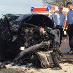 Ocu pozlilo, a volan preuzeo njegov 15-godišnji sin pa udario u drvo