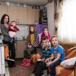 Mirjana i njeno petero djece zimu provode bez drva i struje