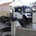 Nesreća u Tivtu, vozača pregazio njegov kamion