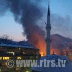 Zvornik: Požar u neposrednoj blizini zdravstvenih ustanova (FOTO)