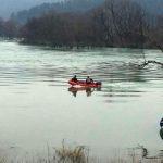 Čamac s tri putnika prevrnuo se na Uni, nestao 13-godišnji dječak