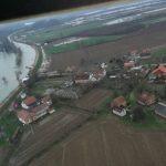 SNIMAK IZ HELIKOPTERA - Sanacija nasipa Mlinarice kod Kozarske Dubice (VIDEO)