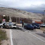 Teška saobraćajna nesreća između Mostara i Čitluka, vatrogasci izvlačili vozača