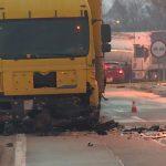 U direktnom sudaru sa kamionom poginuo 36-godišnjak