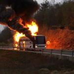 Zapalio se autobus s pripadnicima Hrvatske vojske (VIDEO)