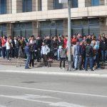 ČEKAJUĆI VIZU ZA BUDUĆNOST Ispred Konzulata Slovenije nikad duži red