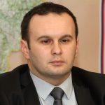 Ćosić tvrdi da Pandurević DUGUJE MILIONE, a SDS traži istragu zbog izjava o PLAĆANJU REKETA od 250.000 KM