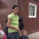Vaskršnja humanost: Učenici pomažu sedmočlanu porodicu (VIDEO)