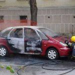 Dječak se šibicama zapalio u automobilu
