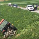 Dječak (11) vozio traktor i sletio s puta: Ljekari mu se bore za život (VIDEO)