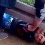 Kontrolori pretukli mladića u autobusu (VIDEO)