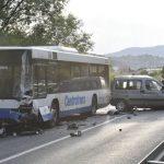 Stravična nesreća u sarajevskom naselju Osjek: Jedna osoba smrtno stradala, saobraćaj potpuno obustavljen (FOTO)
