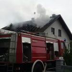 Prijedor: U naselju Gomjenica grom zapalio kuću, izgorio krov