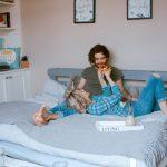 Žena otkriva 9 tužnih istina o zabavljanju sa muškarcem koji i dalje živi sa roditeljima