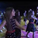 """Više od 180 osnovaca plesalo zajedno u Dvorani """"Mladost"""" (VIDEO)"""