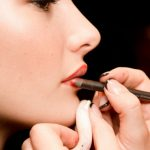 Greške u šminkanju koje vas čine starijima
