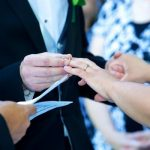 PRAVA POZADINA TRADICIJE: Devojke, kada on stavi BURMU na vaš prst zapravo vam poručuje NEŠTO PREDIVNO