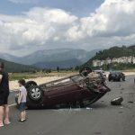 Teška nesreća u Mostaru: Automobil završio na krovu, jedna osoba povrijeđena