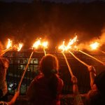 PLAMEN LILA U SREBRENICI Sjećanje na srpske žrtve uoči Petrovdana (FOTO)