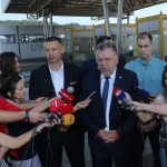 """PERFORMANS Na """"ceremoniji"""" kod NAPLATNIH KUĆICA pojavila se i opozicija (FOTO, VIDEO)"""