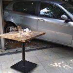 """Vlasnik """"pomahnitalog"""" automobila, koji je uleteo u kafić, van sebe: """"Mislio sam da sam nekog ubio, odsekao sam se"""""""