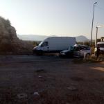 Autom udario u kamion, pa u kombi: Državljanin BiH teško povrijeđen na putu Podgorica-Nikšić
