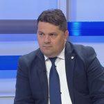 Predsjednik Ujedinjene Srpske Nenad Stevandić izjavio je Srni da neodazivanje opozicionih lidera pozivu predsjednika Republike Srpske Milorada Dodika na konsultacije u vezi sa sutrašnjom sjednicom Narodne skupštine, pokazuje svjesnu bezdužnost prema 22.000 ljudi.