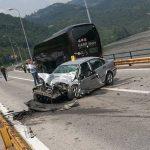 Vozač BMW-a teže povrijeđen nakon žestokog sudara s autobusom
