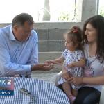 Dodik u Trebinju posjetio djevojčicu Sofiju Radovanović i pčelare Ljubibratiće (VIDEO)