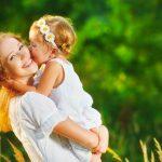 Horoskopski znaci kao majke: Device previše brižne, Vodolije kreativne, Bikovi..