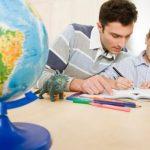3 razloga zašto je mnogo bolje da detetu ne pomažete oko domaćeg zadatka