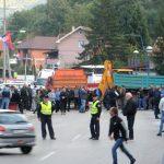 Srbi blokirali put za Brnjak, američki KFOR čuva Gazivode