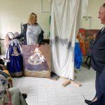 """Gradonačelnik Milenko Đaković posjetio članice Udruženja """" Žene u umjetnosti"""" koje je odnedavno smješteno u nove prostorije"""