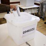 Na sat prekinuto glasanje u Tombaku zbog oštećenja glasačke kutije