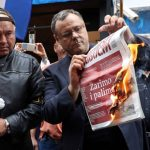 Ultradesničar u Zagrebu spalio srpski list