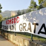 """U Mostaru osvanuo transparent """"Željko Komšić - persona non grata"""""""