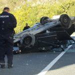 Teška saobraćajna nesreća kod Mostara, automobil završio na krovu