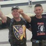 Sadiković uz ratna obilježja tzv. Armije BiH pruža podršku okupljanju na Trgu Krajine