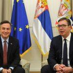 Vučić Mekalisteru: Da me tuku motkama, neću priznati Kosovo