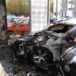 Izgorio BMW kod stadiona u Policama (Foto)