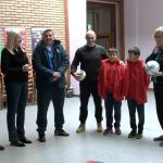 """FK """"Radnik Urije"""" uručio sportsku opremu OŠ """"Petar Kočić"""" (VIDEO)"""