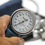 Prije nego što izmjerite krvni pritisak morate da uradite ove 3 stvari ako želite da vam mjerenje bude potpuno tačno