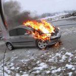 Prijedor: Automobil se zapalio u vožnji